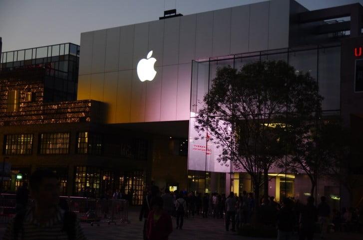 Foxconn iPhone üretimini Çin dışına taşıyacak
