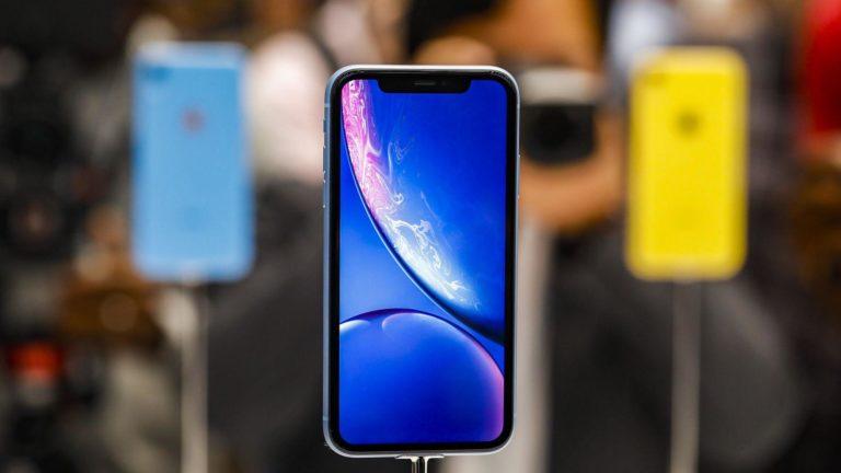 Apple ve Samsung telefon sahipleri ne kadar bilgili?