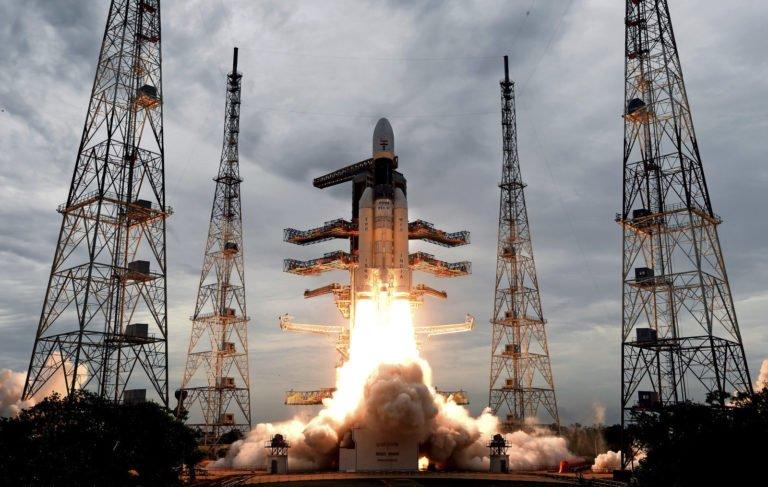 Hindistan da Ay'a gidiyor