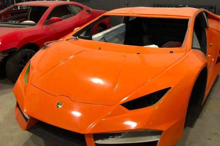 Sahte Ferrari ve Lamborghini üreten baba oğul yakalandı!