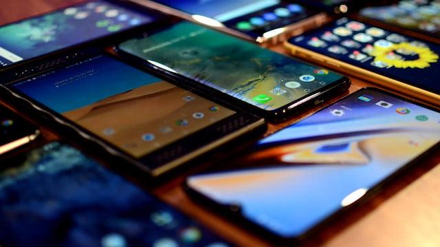 Yerli üretim telefonlar fiyatı ile tepki çekti
