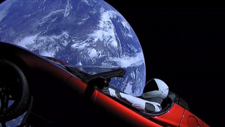 Uzaya fırlatılan Tesla Mars'ın yakınından geçti