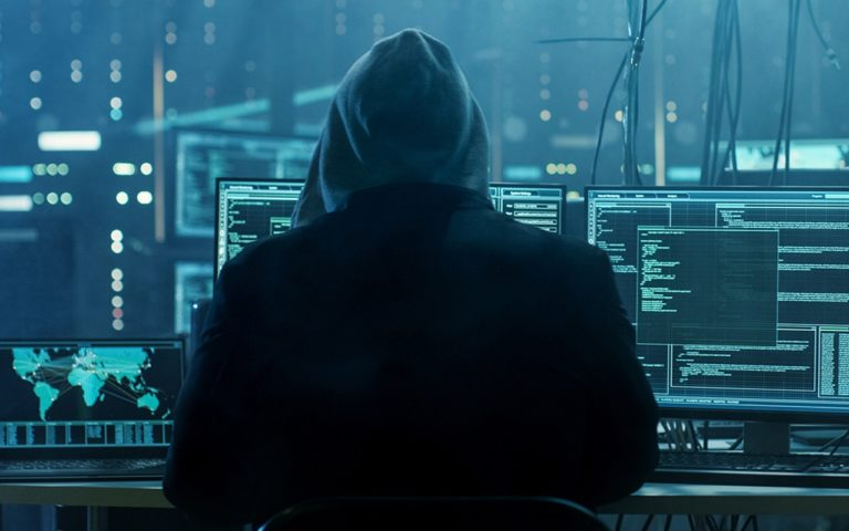 Siber korsanlar 19 yıl boyunca bilgi çalmış