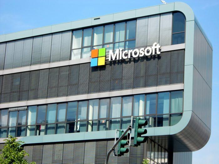 Microsoft 40 milyon kişiye internet sağlayacak