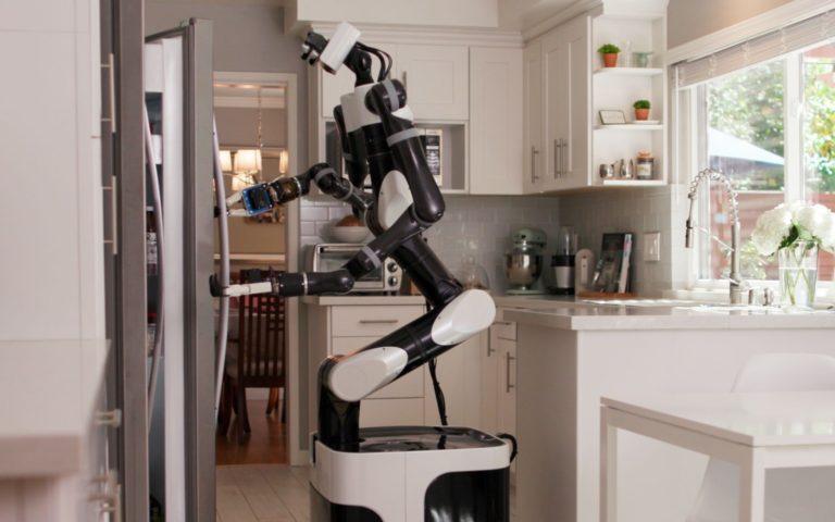 Toyota yapay zekalı ev robotları eğitiyor
