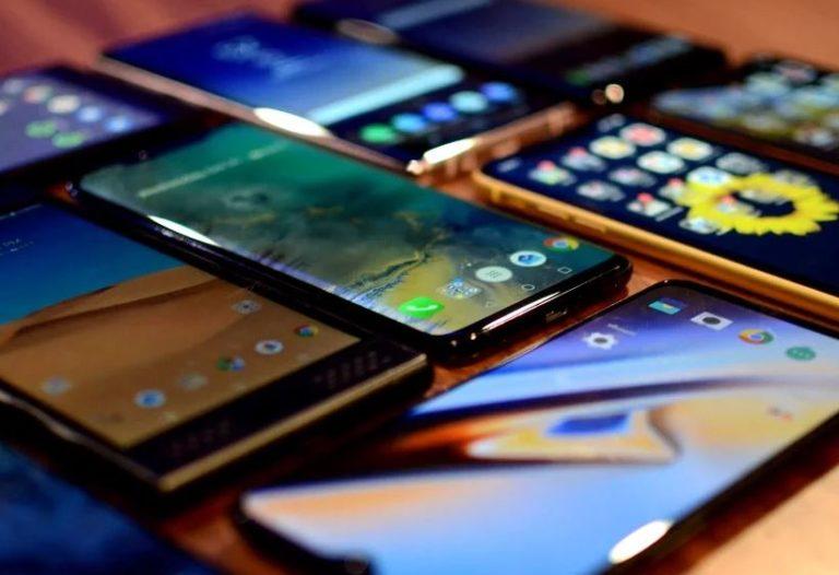 Orta segment akıllı telefon pazarındaki rekabet kızışıyor