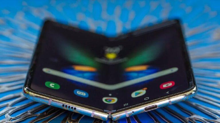 Samsung katlanabilir telefonlarda tasarım değişikliği yaptı