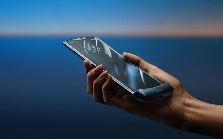 Motorola Razr 2019 parçalarına ayrıldı!