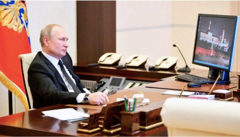 Vladimir Putin güvenlik açıkları ile dolu olan Windows XP kullanıyor!