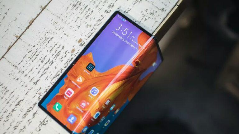 Huawei yeni katlanabilir telefonu için tarih verdi!