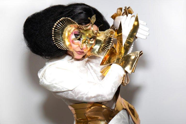 Björk ve Microsoft yapay zeka ile müzik üretecek