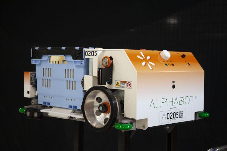 Walmart Alphabot robotu marketlerde çalışmaya başladı