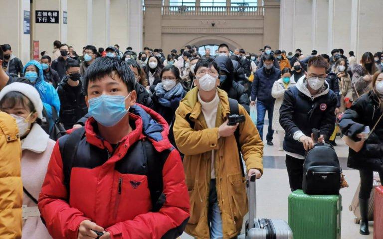 Foxconn iPhone üretmeyi bırakıp maske üretmeye başladı