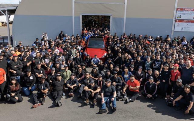 Tesla 1 milyon otomobile ulaştı