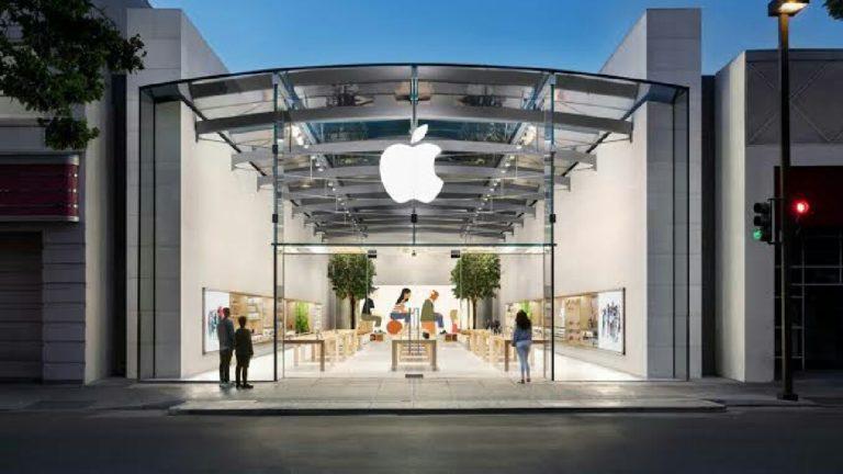 Apple çalışanları ofislerine dönmeye başladı