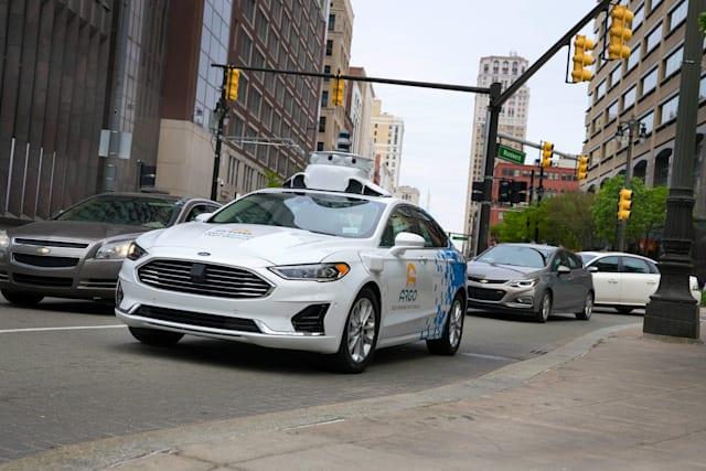 Ford otonom taksi servisi 2022'ye kaldı