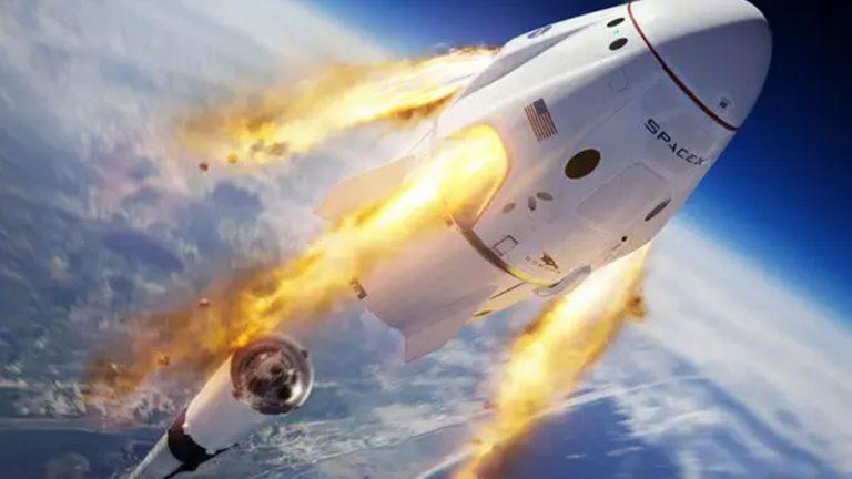SpaceX astronotları uzaya çıkarken AC DC ve Black Sabbath dinlemişler