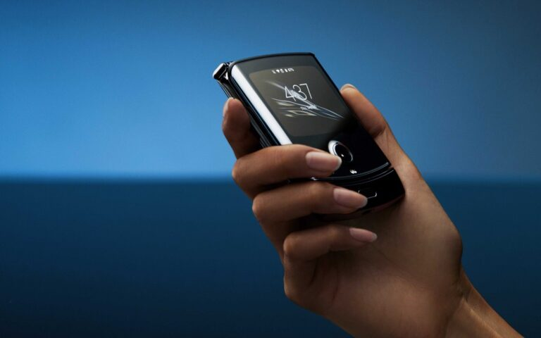 Motorola Razr 2020 canlı canlı görüntülendi!