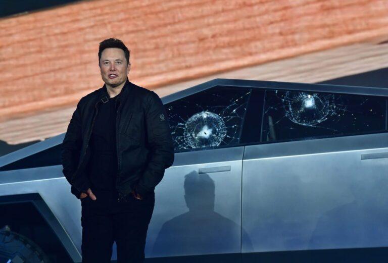 Tesla otonom sürüş yakında kullanılabilecek: Bilinmeyen detaylar!