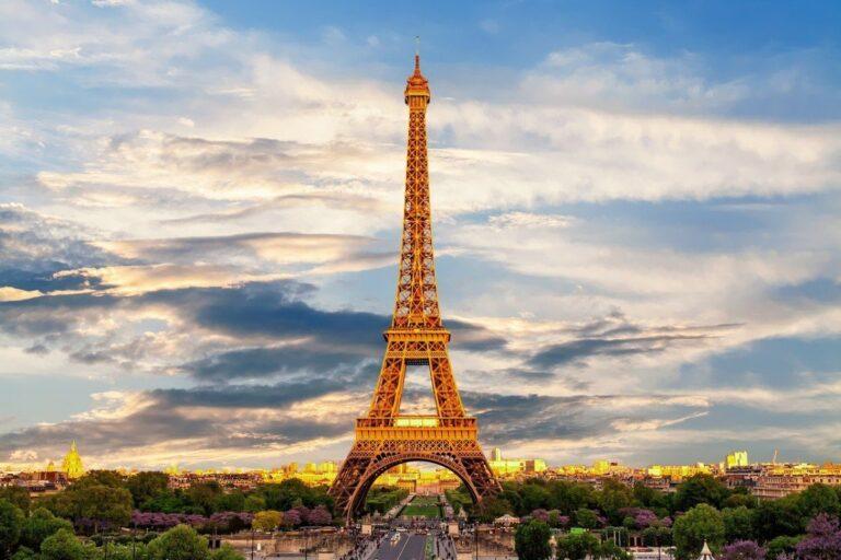 Fransa yasa dışı içerik için sosyal medyaya 1 saat süre verdi