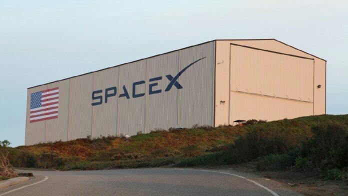 SpaceX çalışanlarına köle