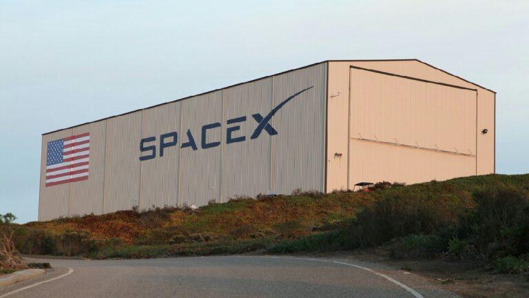 SpaceX çalışanlarına köle gibi davranıyor: Şirketin korkunç ilk yılları