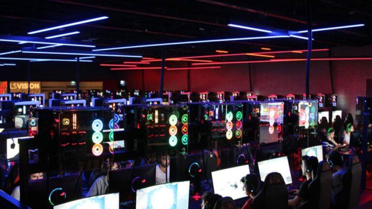 İnternet ve PlayStation Cafe ne zaman açılacak?
