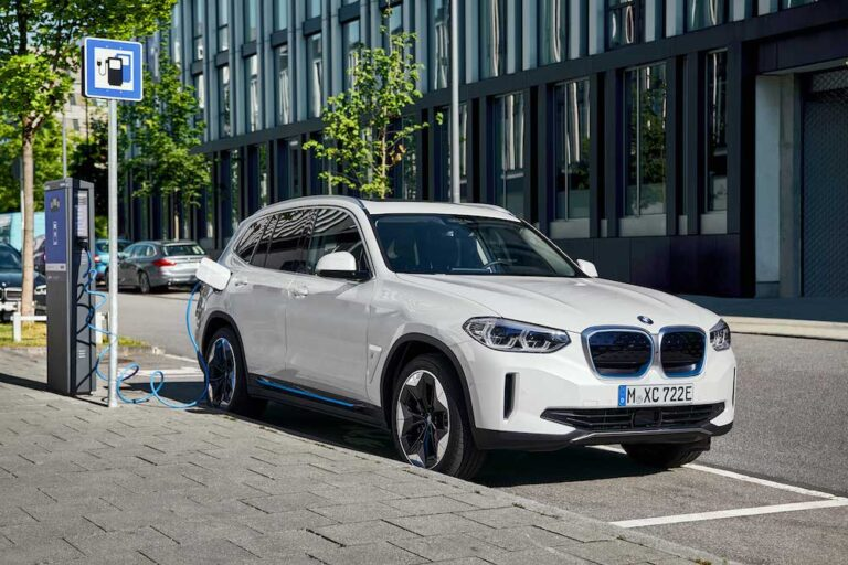 Tamamen Elektrikli BMW iX3 tanıtıldı!
