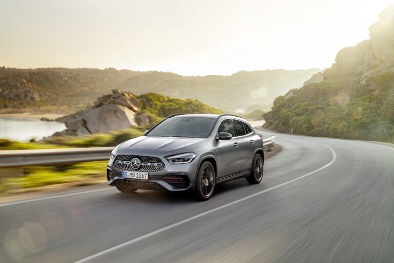 Yeni Mercedes-Benz GLA Türkiye'de satışa sunuldu!