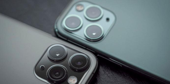 Apple iPhone 12 ile manyetik şarja geçiyor