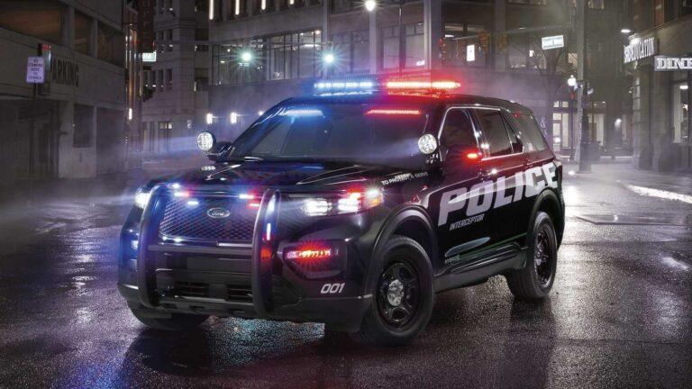 Ford polis arabası yapmaktan vaz mı geçecek?