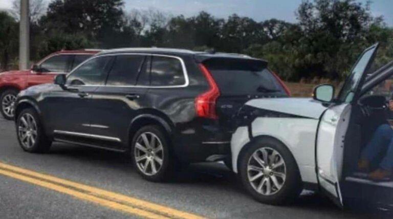 Volvo XC90 ve Range Rover kaza yaptı! İşte sonuç!