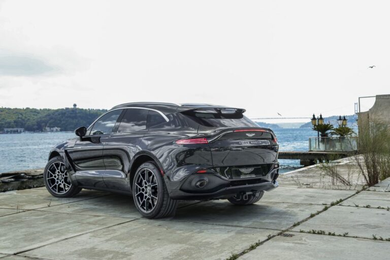 Aston Martin 'in ilk Suv'u DBX Türkiye pazarında
