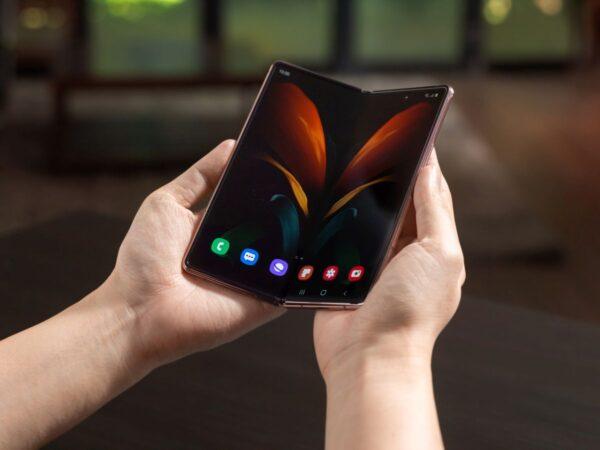 Samsung Galaxy Z Fold2 kampanyasını sürdürüyor