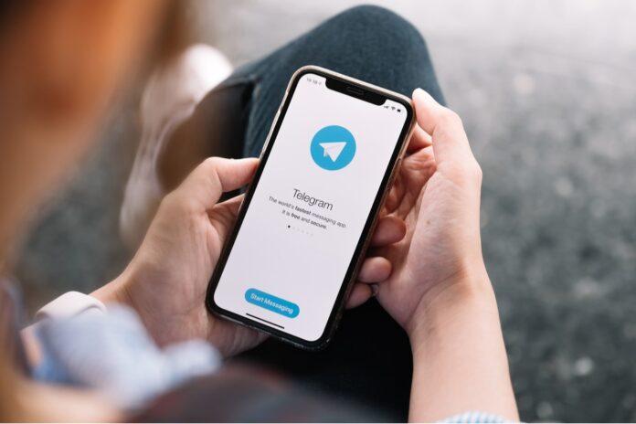 Telegram mesajları Siri ile seslendir
