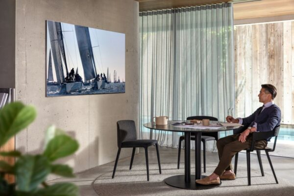 Samsung Q950T QLED 8K Smart TV modeli ile çok iddialı