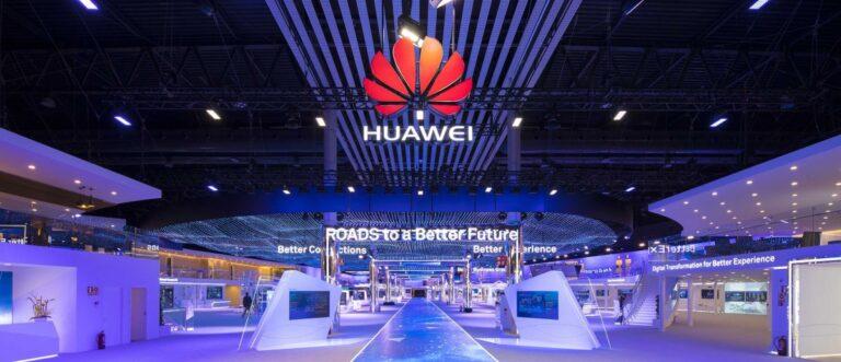 Huawei akıllı telefon pazarında güç kaybediyor