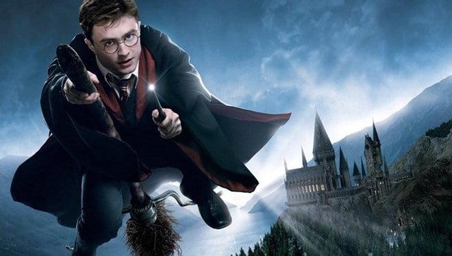 Harry Potter hayranlarına müjde! Sevilen seri dizi oluyor