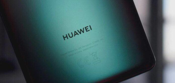 İlk Huawei P50 Pro modeli, daha küçük ekrana, tek delikli kameraya sahip olacak