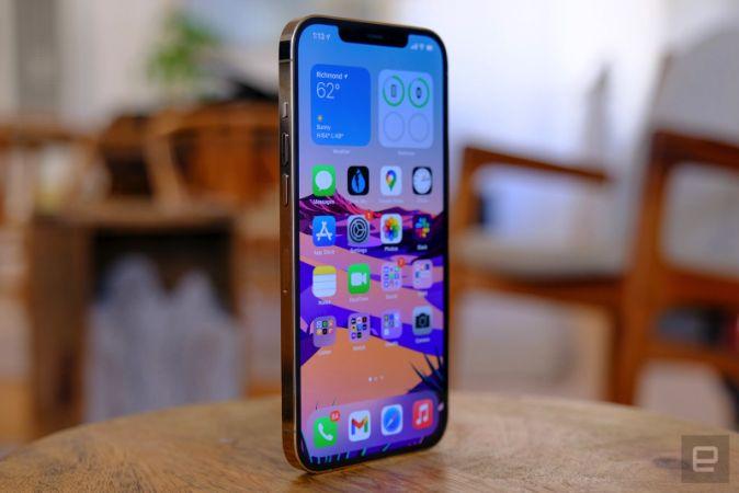 Apple, bir sonraki iPhone'u için yeni bir ekran tipi deneyebilir