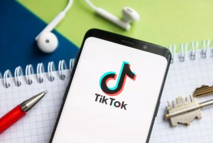 TikTok yeme bozukluğu problemine destek olmaya çalışıyor