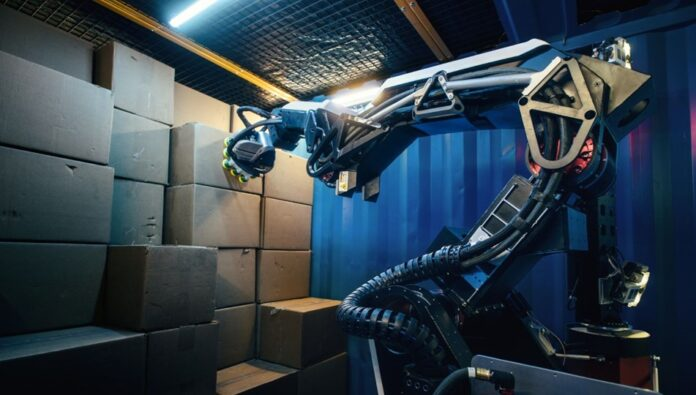 Boston Dynamics insan gücünü