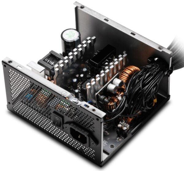 XPG PYLON 550W güç kaynağı: Stabil ve güvenli performans