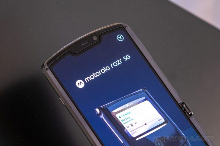 Motorola Razr 5G sonunda kendi Android 11 güncellemesini aldı