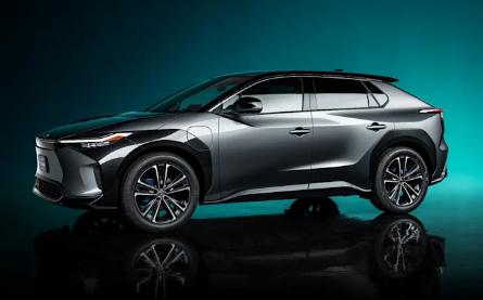 Toyota ilk elektrikli aracı 2022'de yola çıkacak