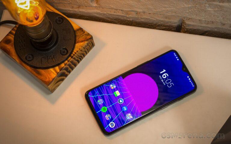 OnePlus 6 ve 6T, Ağustos ayından itibaren Android 11 beta sürümlerini alacak