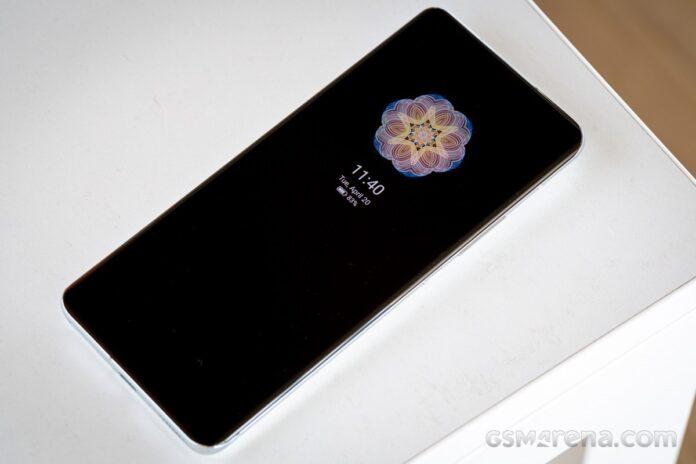 Xiaomi Mi 11 Ultra, 80W kablosuz şarj cihazıyla 20 Mayıs'ta geliyor