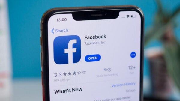 Facebook Apple iOS 14.5 gizlilik güncellemesine karşı çıkmaya devam ediyor