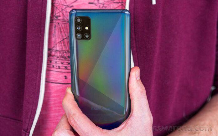 Samsung Galaxy A51, One UI 3.1 ile Android 11 güncellemesini aldı