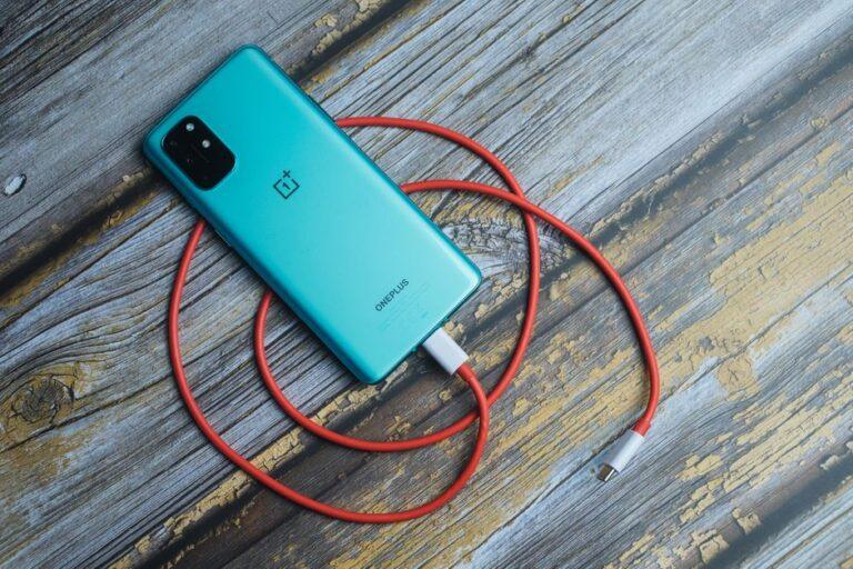 OnePlus 8, 8 Pro, 8T, Mayıs 2021 güvenlik yamasını alıyor